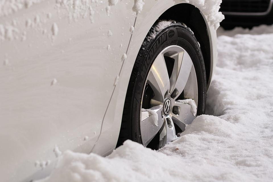 авд, автомобильные шины купить в минске, зимние шины купить минск, подбор зимних шин, каталог зимних шин, avdby, авдбай, аккумуляторы, советы водителю, 10 советов автомобилисту, зимой на машине